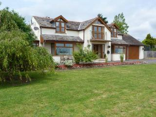 LYNMARIS, sea views, pet-friendly, open fire, Juliet balcony, hot tub, near Aldingham, Ref. 27435 - Cumbria vacation rentals