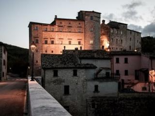 The castle of belforte All' isauro Accomodation in Historical Rooms and apartments in marche near urbino - Belforte all'Isauro vacation rentals