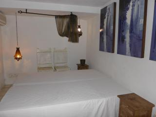 ROMANTIC COLONIAL HOUSE IN OLD CITY - BLUE ROOM - Cartagena District vacation rentals
