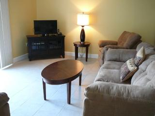 Central Florida Townhome - Quiet w/ a Beautiful View! - Kissimmee vacation rentals