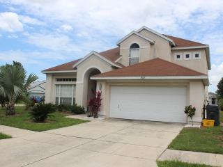 5 bedroom villa with pool. Pets allowed - Davenport vacation rentals