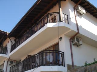 Stunning 3 bed Maisonette on beautiful Kavarna Bay - Kavarna vacation rentals