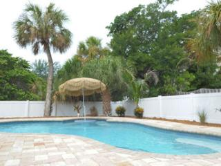 TOES IN THE WATER - Anna Maria vacation rentals