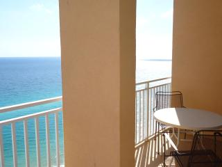 2BR/2BA with bunks and sleeper sofa! 2104E - Panama City Beach vacation rentals