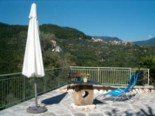 Casa Ubaga, charme, confort, 15 minutes from sea, wi fi - Borghetto d'Arroscia vacation rentals