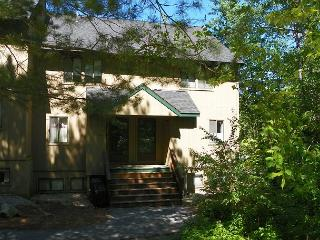 2 Bedroom Condo in Waterville Valley next to Outdoor Pool! (HAM21M) - White Mountains vacation rentals