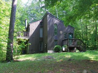 Waterville Estates Vacation Home sleeping 12 next to Rec Center (NOL96M) - White Mountains vacation rentals