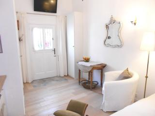 Cosy , affordable studio in the centre of Nice - Nice vacation rentals