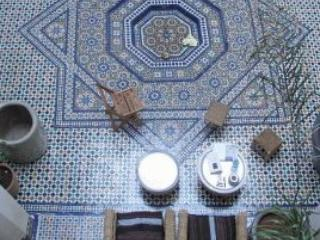 Courtyard - Dar 7 Louyat - XVth c. riad - a haven of peace - Fes - rentals