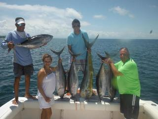 catching tuna in panama - JOHN KIPP