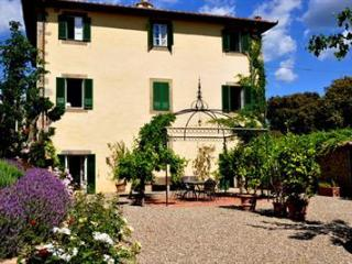 Luxury Villa Cortona Sleeps 18 Great for Weddings, families, & groups - Positano vacation rentals