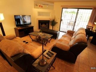 Large Two Bedroom Two Bathroom Town Home with a Garage at Sunset Ridge - Tucson vacation rentals