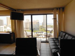 Waikiki Ocean View Suite 1BR Kitchen w/Balcony ! - Waikiki vacation rentals