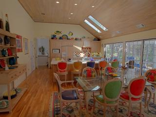 PET FRIENDLY Palmetto Dunes Colorful 2nd Row - Palmetto Dunes vacation rentals