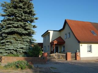 Vacation Apartment in Wittenberg - quiet, central, modern (# 4164) - Saxony-Anhalt vacation rentals