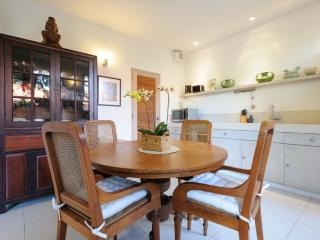 Luxurious 2 Bedroom Apartment in the heart of Sanur and 50 meters to the beach. - Sanur vacation rentals