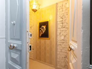 Galata 2Rm-2Bath-for 7p 1min to istiklal street - Istanbul vacation rentals