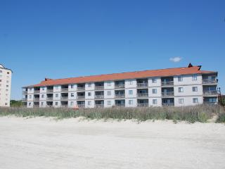 Cozy Oceanfront 2 Bedroom in North Myrtle Beach! - North Myrtle Beach vacation rentals