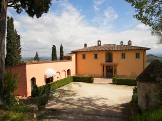 Apartment Rental in Tuscany, San Gimignano - Il Cortile del Borgo 12 - San Gimignano vacation rentals