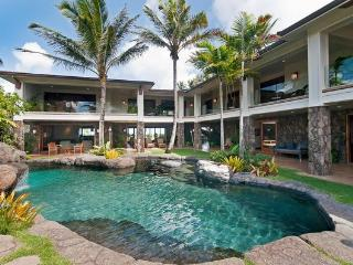Majestic Manor - 8BR private Beachfront, w/ Cinema Room, Cabana, &  Pool - Kailua vacation rentals