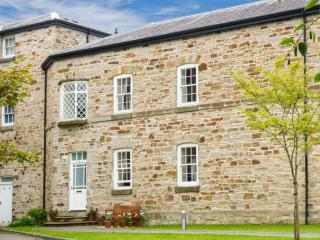 ORIEL COTTAGE Grade II listed, family-friendly, good touring base in Bodmin Ref 23723 - Bodmin vacation rentals