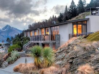 Oliver Views - South Island vacation rentals
