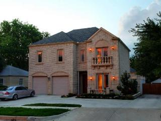 3700 SF, Tuscany Garden Home, Museum District. - Fort Worth vacation rentals