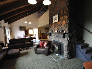 Rock's Retreat, Mountain Home 13 mi from Red Rocks - Morrison vacation rentals