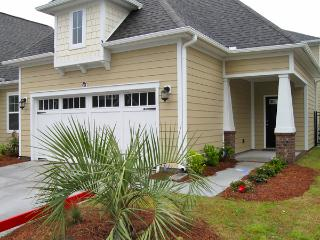 Luxury Townhome, HDTV/WiFi/Pool Table/more! - Myrtle Beach vacation rentals