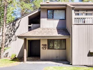 17 Meadow House - Sunriver vacation rentals