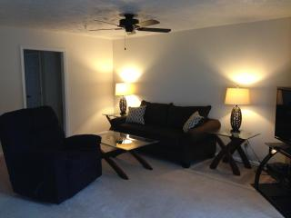Waterdown -- 2 Bedroom, 2 Bath--1200 sq ft - Fayetteville vacation rentals