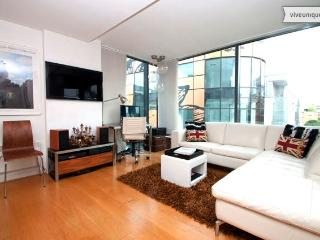 2 bed 2 bath, walk to St Paul's + City, Central London - London vacation rentals
