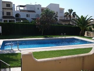 A Roomy, Well Appointed, 2 Bedroom Holiday Apartment. Close To Beaches & Three Superbly Appointed  Golf Courses - Orihuela vacation rentals