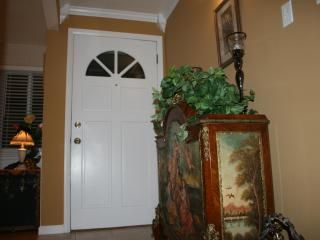 Moore Bungalow - Warm, Inviting Home - Easy Access to Denver, Boulder, Golden & Mountains - Arvada vacation rentals