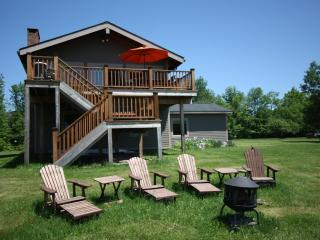 4 Season Nirvana, Hot Tub, Windham Mountain Views, WiFi & Minutes to Town! - Windham vacation rentals