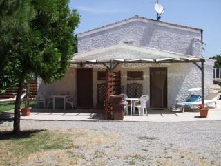 Studio Cottage  WIFI own garden 400m from the sea. - Sardinia vacation rentals