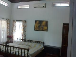 70yr old Christian Colonial Home in Central Kerala - Kerala vacation rentals