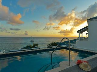 VILLA LUNA..secure, luxurious, and just steps from Cupecoy Beach - Cupecoy vacation rentals