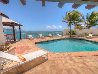 LA VISTA GRANDE...Oceanfront villa, short walk to Simpson Bay or Burgeoux Bay beaches! - Saint Martin-Sint Maarten vacation rentals