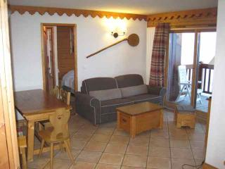 Brilliant ski apartment in Val Claret, Tignes. Sleeps 6 - Tignes vacation rentals