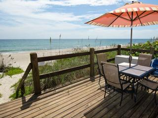 GOLDEN SANDS® EMERALD Beachfront Tennis Court Pool - Sebastian vacation rentals