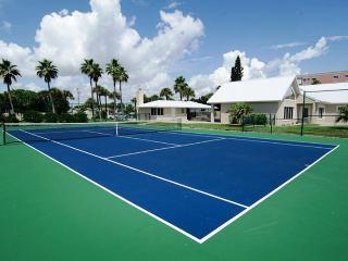 GOLDEN SANDS® EMERALD Beachfront Tennis Court Pool - Cocoa Beach vacation rentals