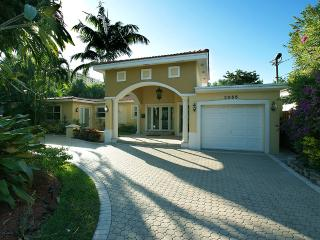 Tropical Retreat - 2395$ wk August-September! - Fort Lauderdale vacation rentals