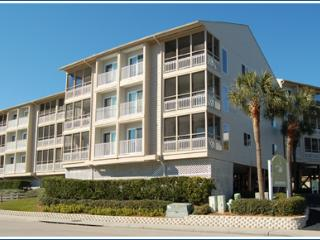 Great 3BR near beach w/ WiFi/Flat Screens/Pool! - Myrtle Beach vacation rentals