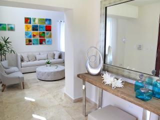 Casa Cacique Walk to the Beach  Lux 5BR/5.5bath - San Juan vacation rentals