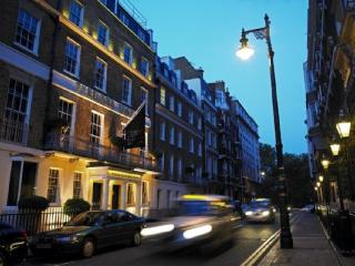 2 bedroom with Garden in the Heart of Mayfair - London vacation rentals