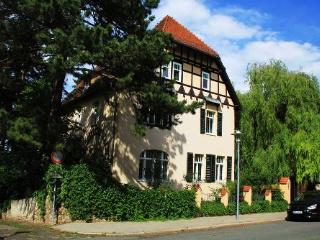 Vacation Apartment in Weimar - 474 sqft, quiet, convenient, cozy (# 4202) - Thuringia vacation rentals
