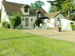 Lovely renovated cottage in Parcay les Pin - Parcay-les-Pins vacation rentals