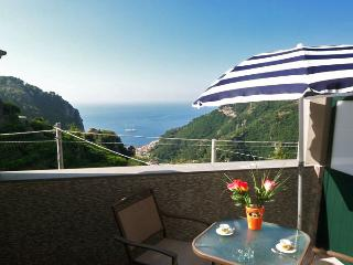 PIETRA ROMANTICA - 1 Bedroom - Pontone - Scala - Massa Lubrense vacation rentals