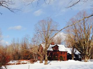 Gile Road - Large, Family Farm House - a perfect place to enjoy the beauty of New Hampshire - Franklin vacation rentals